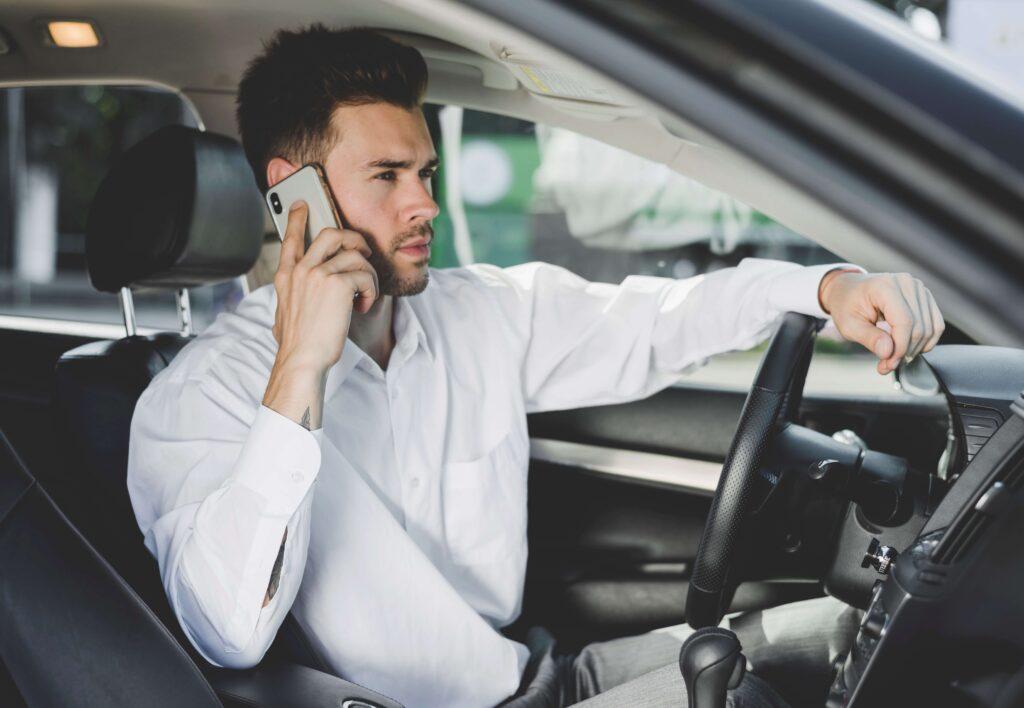 peligros movil conduccion